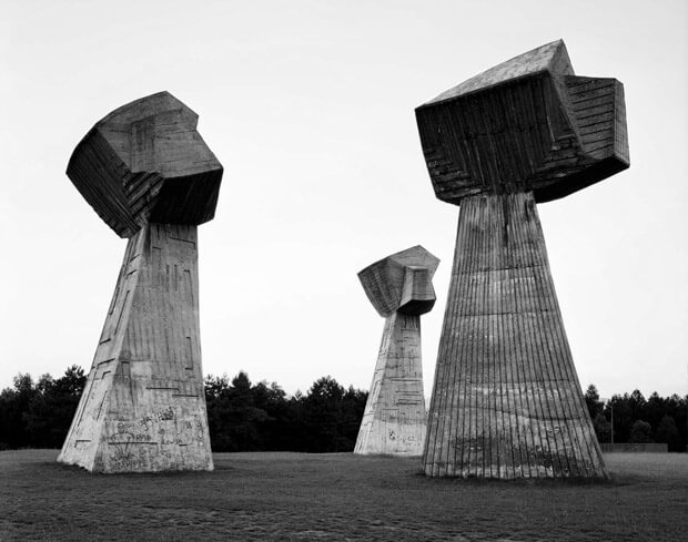 spomeniks3
